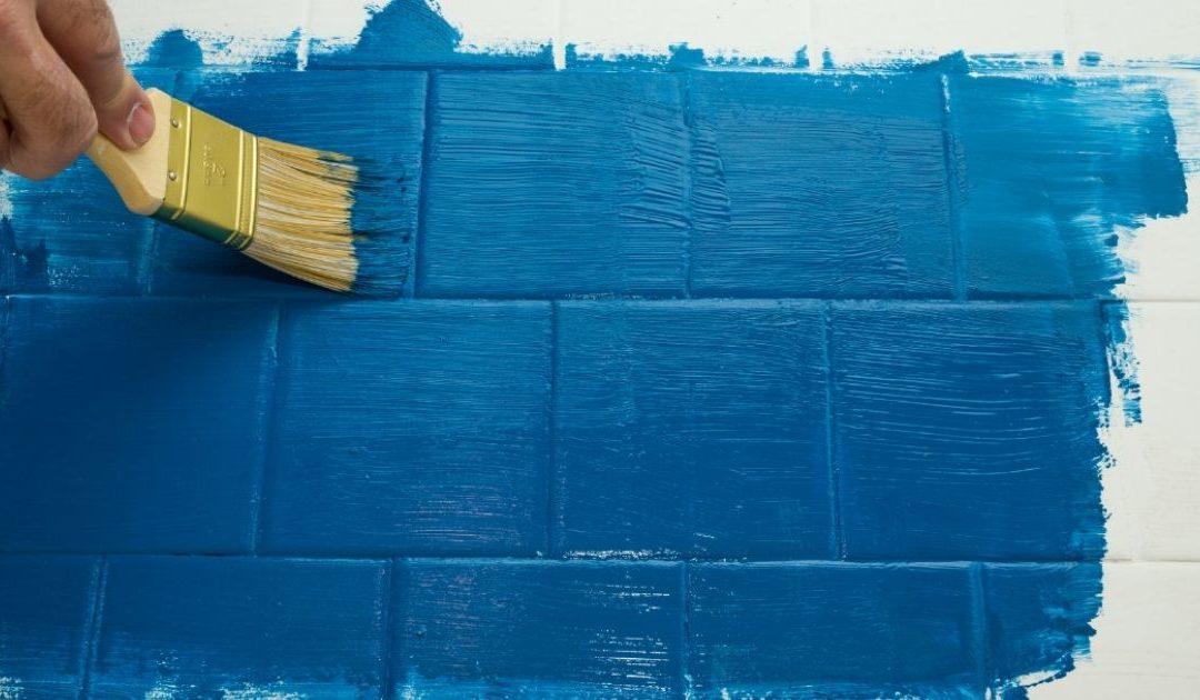 5 étapes pour peindre un carrelage mural